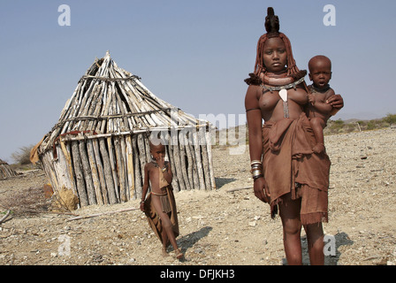 Mochimba ethnic group, Manaculama area, Parque do Iona, Namibe province, Angola - Stock Photo