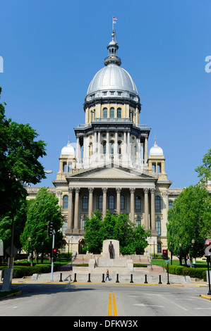 Abraham Lincoln Statue in front of Illinois State Capitol Building Springfield Illinois - Stock Photo