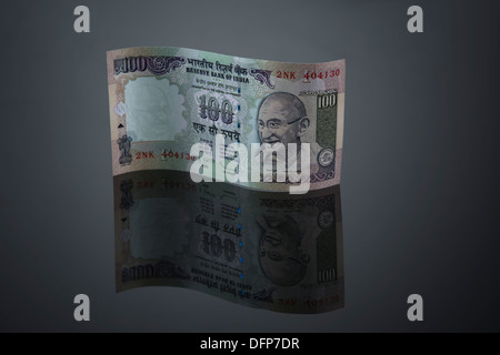 Close-up of Indian One Hundred rupee banknote - Stock Photo