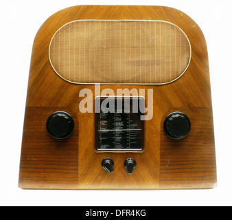 Old radio receiver at the Victoria & Albert Museum. London. England - Stock Photo