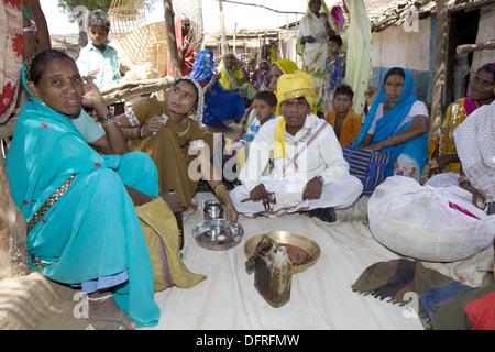 Marriage rituals in marriage ceremony of Korku Tribe, Khalwa, Jharikheda village, Madhya Pradesh, India. - Stock Photo