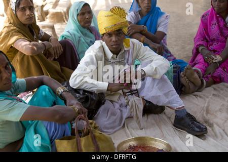 Korku Tribe Groom. Marriage ceremony of Korku Tribe, Khalwa, Jharikheda village, Madhya Pradesh, India. - Stock Photo