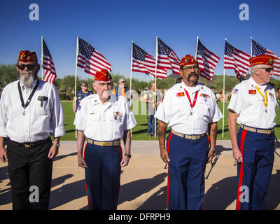 Phoenix, Arizona, USA. 8th Oct, 2013. US military veterans stand at attention at a ceremony interring the cremated - Stock Photo