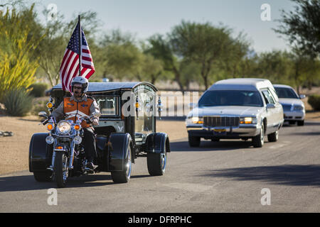 Phoenix, Arizona, USA. 8th Oct, 2013. Hearses bearing the cremated remains of US military veterans enter the National - Stock Photo