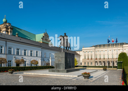Presidential Palace in Warsaw, Poland and statue of Prince Jozef Poniatowski. - Stock Photo