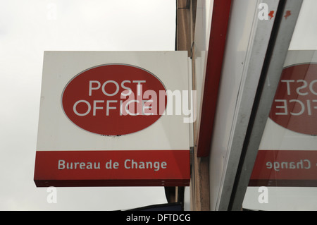 post office bureau de change sign uk stock photo royalty free image 39416035 alamy. Black Bedroom Furniture Sets. Home Design Ideas