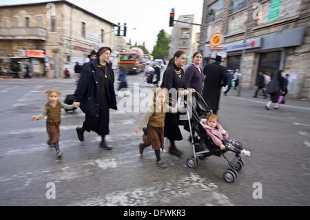 Orthodox Jews, Mea Shearim quarter, Jerusalem, Israel - Stock Photo