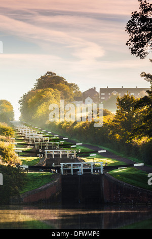 early morning mist at caen hill locks on the kennet and. Black Bedroom Furniture Sets. Home Design Ideas