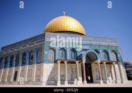 View of the Dome of the Rock on the Temple Mount in the old city of Jerusalem, Israel, 10 September 2013. Jerusalem - Stock Photo