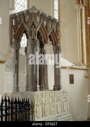 Purbeck marble shrine base c. 1320 of St Edburg(a) of Bicester (d. c. 650) standing on an altar tomb in Stanton - Stock Photo