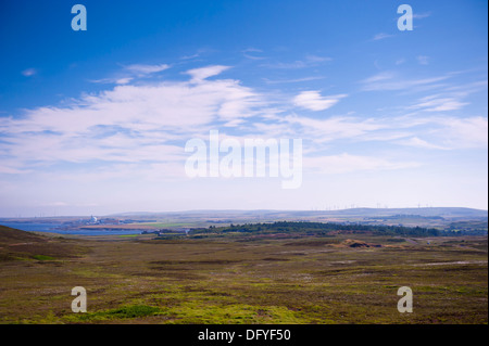 Dounreay nuclear power station and wind farms - Stock Photo