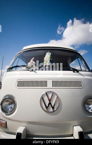 vw bus buses camper campers van vans campervan campervans bay window volkswagen badge logo - Stock Photo