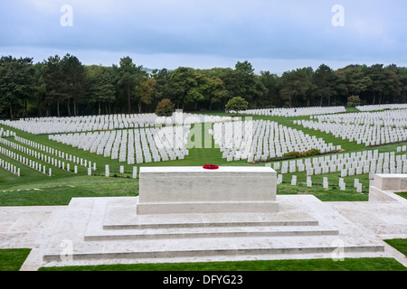 First World War One Stone of Remembrance at the WWI Étaples Military Cemetery, largest CWGC in France, Nord-Pas - Stock Photo