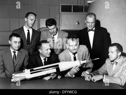The original seven Mercury astronauts were from left, front row: Gus Grissom, Scott Carpenter, Deke Slayton and - Stock Photo