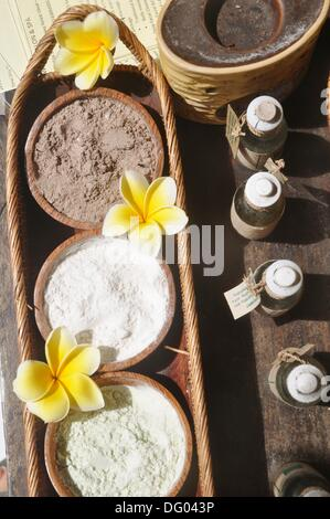 Ubud (Bali, Indonesia): a Spa kit for massages - Stock Photo