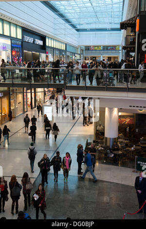 Manchester, UK 10th October, 2013.Crowds inside the Arndale Centre at Vogue Fashion's Night Out, a one-night-only - Stock Photo