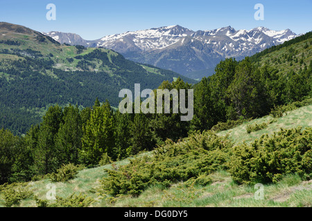 pas de la casa andorra the pyrenees sky resort with little snow stock photo royalty free image. Black Bedroom Furniture Sets. Home Design Ideas