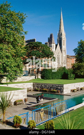 Garden of Remembrance, Findlater´s Church in background. Dublin. Ireland - Stock Photo