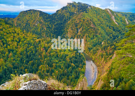 The Dunajec River Gorge. The Three Crowns view from Sokolica mountain. - Stock Photo