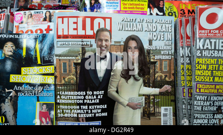 'William and Kate Move into Kensington Palace' Hello magazine front cover headline on newsagent shelf October 2013 - Stock Photo