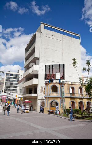 Pedestrian shopping street off Parque Central (Central Park), Plaza Morazan, Tegucigalpa, Honduras - Stock Photo