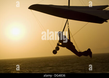 Man hand gliding, Playa del Rey, Los Angeles, California, USA - Stock Photo