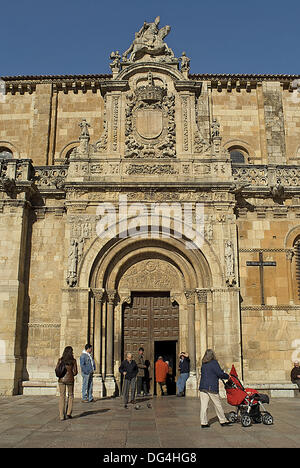Basilica of San Isidoro, Leon. Castilla-Leon, Spain - Stock Photo