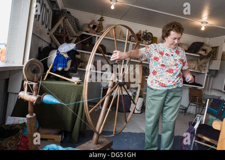 Fun fair spinning wheel Stock Photo: 57115329 - Alamy