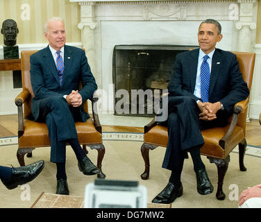 Washington, DC, USA. 15th Oct, 2013. United States President Barack Obama and U.S. Vice President Joe Biden meet - Stock Photo