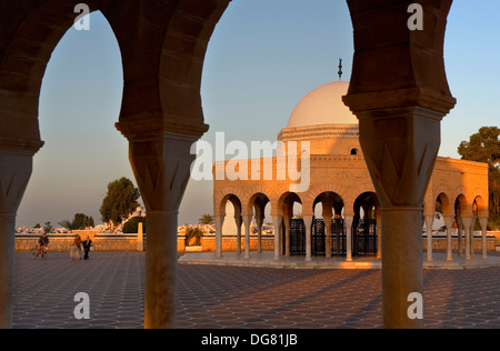 Tunez: Monastir.tomb at entrance to bourguiba mausoleum - Stock Photo