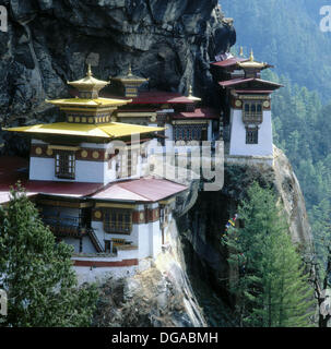 Tigers nest ´Taktshang´ a monastery perched high on a cliff in the Paro Valley. Bhutan. - Stock Photo