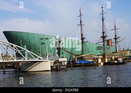 Netherlands, Holland, Amsterdam, Nemo, Technology Center, designed by Italian architect Renzo Piano, Ship, a replica - Stock Photo