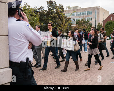 Washington DC, USA . 17th Oct, 2013.  George Washington University students, workers and employees protest alleged - Stock Photo