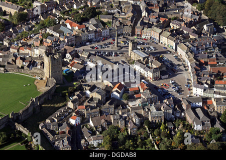aerial view of Richmond town in North Yorkshire, including the market square and the Castle - Stock Photo