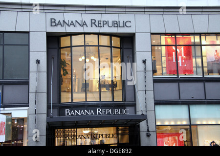 Banana Republic New York NY locations, hours, phone number, map and driving directions.