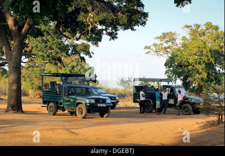 Wildlife safari jeep driver guides waiting for their clients in Yala National Park, Sri Lanka - Stock Photo