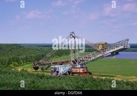 Meuro Schaufelradbagger - Meuro rotary excavator 01 - Stock Photo