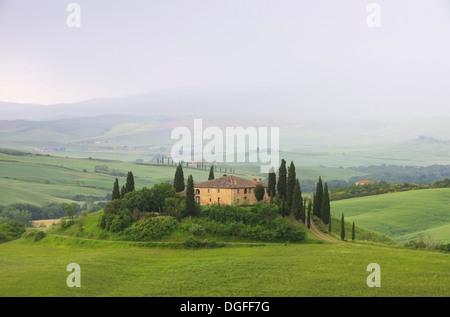 Toskana Haus im Nebel - Tuscany house in fog 13 - Stock Photo