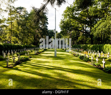 Brookwood Military Cemetery and memorials, Brookwood, United Kingdom. Architect: unknown, 2013. Graves and memorial. - Stock Photo