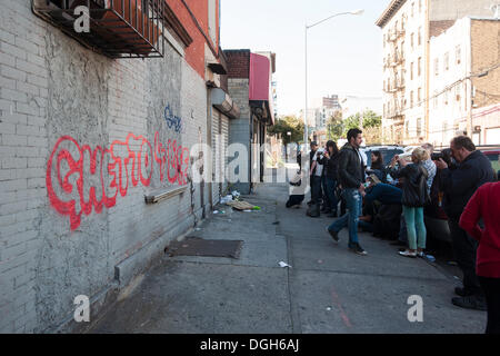 New York, USA. 21st Oct, 2013. Street art enthusiasts flock to the Melrose neighborhood of  the Bronx in New York - Stock Photo