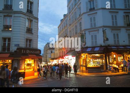 Paris france shopping rue de rivoli hotel de ville - Place saint pierre paris ...