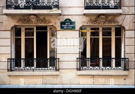 Building façade on the Rue Saint Louis en l'Ile on the Ile de Saint Louis, Paris, Ile de France region, France, - Stock Photo