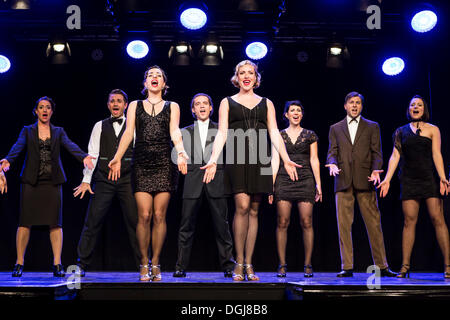 Musical 'Chicago', with Annette Krossa as Roxie Hart and Natascha-Cecillia Hill as Velma Kelly, live performance - Stock Photo