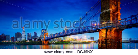 The John A Roebling suspension bridge over the Ohio river in Cincinnati. - Stock Photo