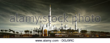 The Sheikh Zayed Bin Sultan Al Nahyan Grand Mosque in Abu Dhabi. - Stock Photo