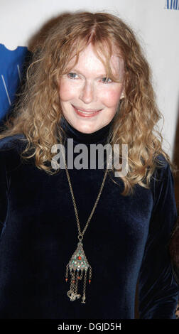 New York, New York, USA. 21st Oct, 2013. Actress MIA FARROW is honored at the 79th Anniversary of the Blue Card - Stock Photo