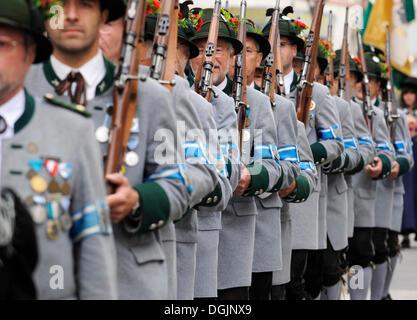 Mountain gunmen of Wolfratshausen at the 'Gebirgsschuetzentag' parade in Wolfratshausen, Upper Bavaria, Bavaria - Stock Photo