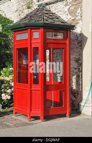 Phone booth, Buckingham Street, historic gold mining town of Arrowtown, South Island, New Zealand - Stock Photo