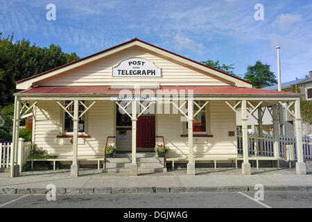 Historic Post Office building in the former gold mining town of Arrowtown, South Island, New Zealand - Stock Photo