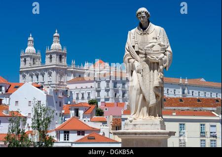 Portugal, Lisbon, a statue to Sao Vicente and the church of Sao Vicente de Fora, in the Largo de Santa Luzia - Stock Photo